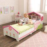 Kinderbett im Puppenhaus-Stil