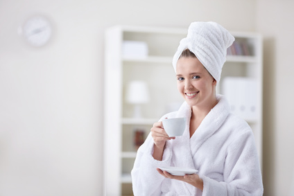 Kuschelige Bademäntel in weiß