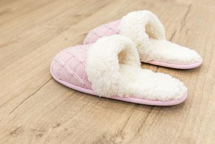 Kuschelige Hausschuhe rosa