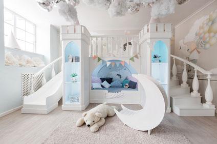 Kuscheliges Kinderbett als Burg